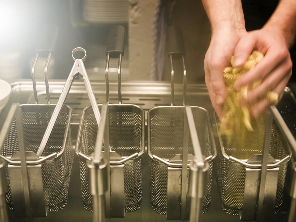 Küche Numa am Nudelkocher